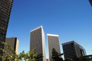 V eni teh stolpnic so snemali nadaljevanko Delo na črno z Bruceom Willisom in Cybill Shepherd.