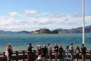 Pogled na znameniti Alcatraz s pomola 39.