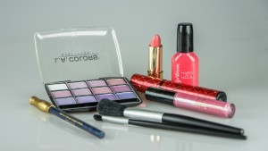 make-up-1180036_1920